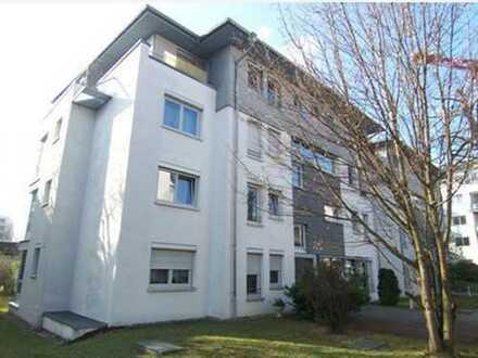 2-Zim. Wohnung in Sindelfingen, Zentral (Daimler und S-Bahn Nähe) und doch ruhig gelegen.