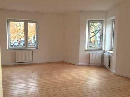Frisch renovierte Altbau-Wohnung mit echten Dielen in BO-Ehrenfeld!