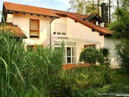 RE/MAX - Gepflegtes Ein-/Zweifamilienhaus in ruhiger grüner Wohnlage von Aubing