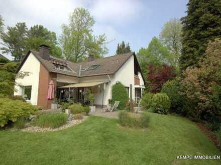 Einfam.-Haus mit Charme und Wohlfühlcharakter, in ruhiger Lage und auf einem schönen Grundstück