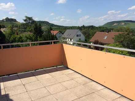großzügige, ruhige Obergeschoss-Wohnung mit großer Terrasse für 1-2 Personen