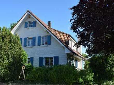 Erstklassiges Anwesen mit 4,5 Wohneinheiten in Steinfeld