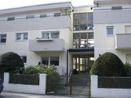 Schöne drei Zimmer Wohnung in München, Harlaching-Menterschwaige