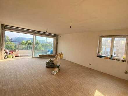Neckarblick! Komplett sanierte Etagenwohnung mit großer Wohnküche und großem Balkon!
