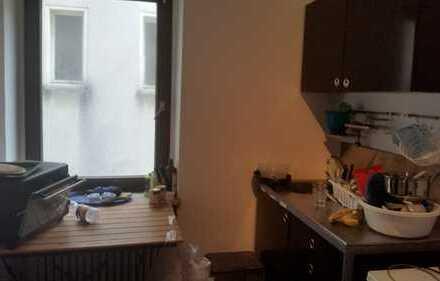 geräumiges Zimmer (16qm, zentrale Lage) in Endenich
