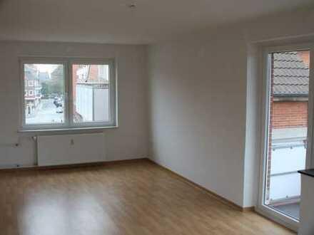 Innenstadt! - Große 2 Zimmer Wohnung mit Balkon zu vermieten!