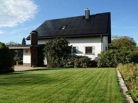 Haus im Grünen mit Schwarzwaldaussicht