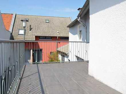 Einfamilienhaus mit großem Innenhof in Nidderau