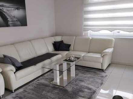 Stilvolle, neuwertige 4-Zimmer-Wohnung mit Balkon und EBK in Mörfelden-Walldorf
