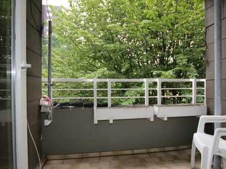 Vermietete Eigentumswohnung mit 3 Zimmern, ca. 76 m² Wfl. mit Balkon und Tiefgaragenstellplatz