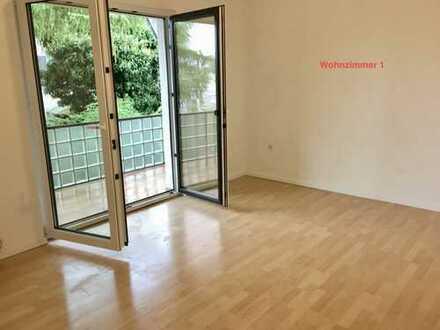 Gepflegte 4-Zimmer-Wohnung mit Balkon und Einbauküche in Rahm