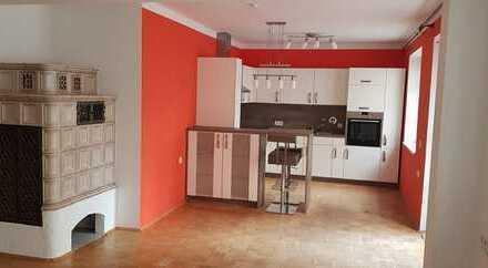 Modernisierte 3-Zimmer-Erdgeschosswohnung mit Einbauküche in Mühldorf am Inn (Kreis)