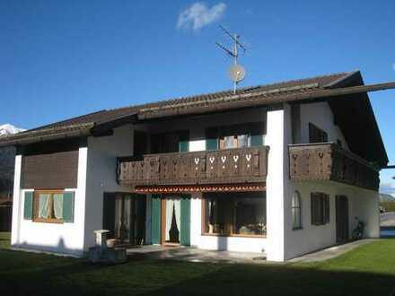 Gepflegte 3-Zimmer-OG-Wohnung mit Balkon und EBK in Garmisch-Partenkirchen