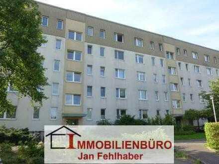 Renovierte 2-Zimmer-Wohnung mit Einbauküche und Stellplatz in der Südstadt