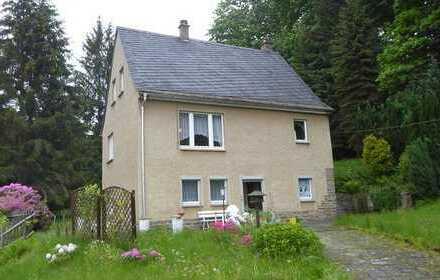 Einfamilienhaus in Alleinlage auf riesigem Grundstück!