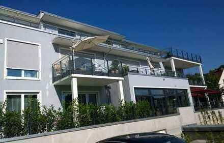 Moderne sonnige 4 Zi Gartenwohnung, Parkett, große Fensterflächen, FBH, Terrasse, TG
