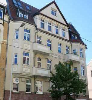 Schöne 4 Zi-Wohnung mit 2 Balkonen, Laminat, Wannenbad, sep. Wohnküche in der südl. Innenstadt