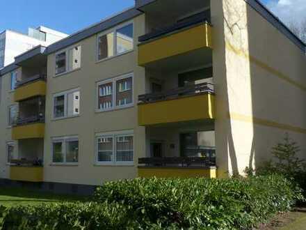 ruhige, modernisierte 3,5-Zimmer-Wohnung mit zwei Balkone ohne Durchgangsverkehr Köln-Neubrück