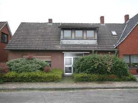 Renovierungsbedürfte Doppelhaushälfte in Neuenhaus