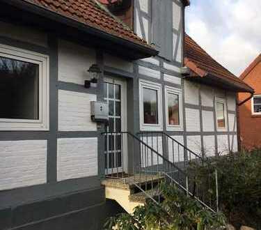 Schöne zwei Zimmer Wohnung in kleinem Reihenhaus in Braunschweig-Lamme