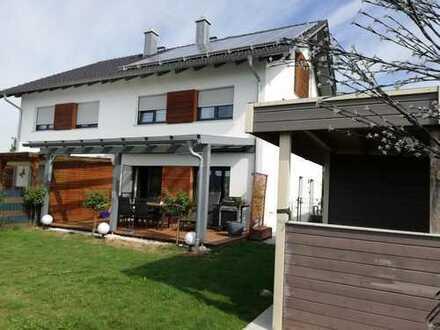Exklusive 5-Zimmer-Doppelhaushälfte mit großer Terrasse und Einbauküche in Deggendorf (Kreis)