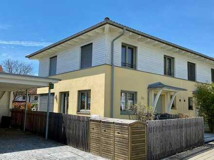 Neuwertige, exklusive Doppelhaushälfte im Toskana-Stil in ruhiger Lage von Hechendorf am Pilsensee
