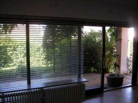 Schöne EG Wohnung mit Garten
