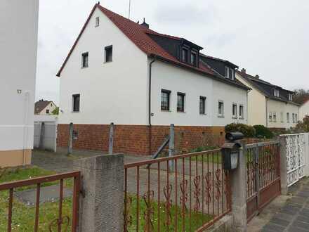 Gepflegte 5-Zimmer-Doppelhaushälfte mit Einbauküche in Obertshausen, Obertshausen