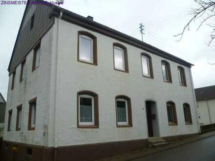 1-2 Familiehaus mit großer Scheune und Stallungen plus Photovoltaikanlage
