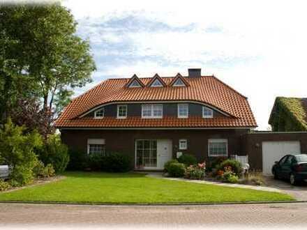 Preiswerte, sanierte 5-Zimmer-Erdgeschosswohnung mit Balkon in Wangerland