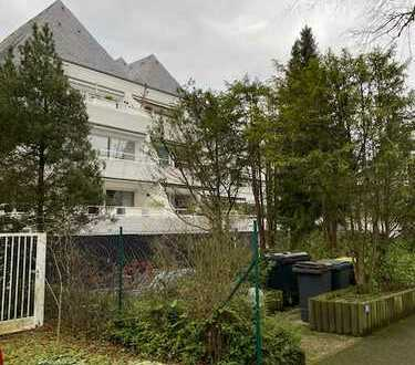 Provisionsfreie 3 Zimmer Wohnung in der Thielenbrucher Allee inclusive Doppelgarage