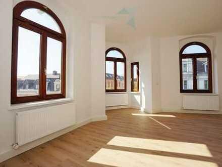 """Stilvolle 2-Raum-Wohnung mit Erker in """"Mitte-Nord"""""""