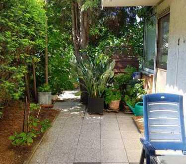 Geräumige 2-3 Zimmer-EG-Wohnung mit Balkon, Wintergarten und EBK in Düsseldorf