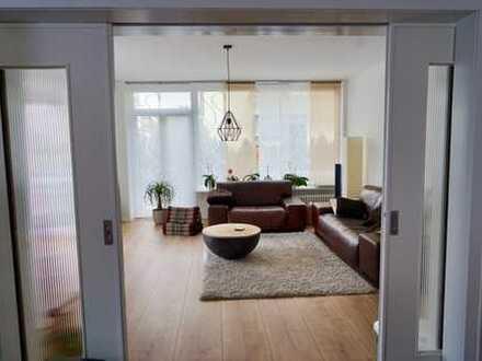 Helles, geräumiges Haus, fünf Zimmer und großes Studio in Ilvesheim; Komplett-Sanierung in 2017