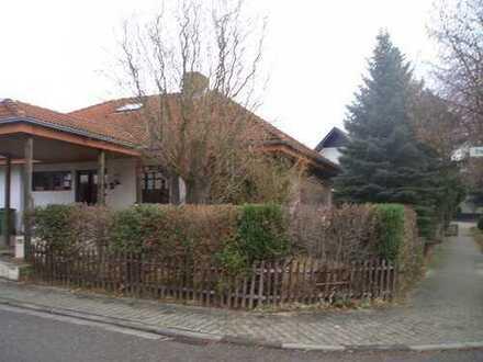 Freistehendes Zweifamilienhaus