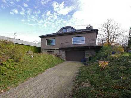 Freistehendes Einfamilienhaus mit Kaminzimmer und großem Garten in Hennef-Süchterscheid