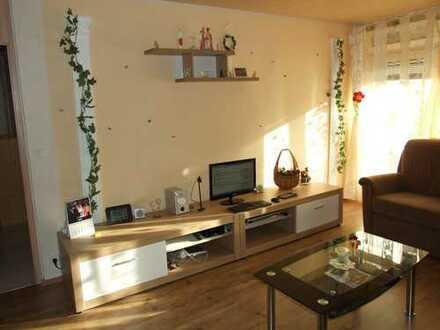 Schöne 3,5 Zimmer Wohnung (von Privat) mit Balkon + EBK in Stuttgart, Fasanenhof