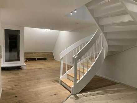 Helle 5-Zimmer Architekten-Maisonette mit Reihenhauscharakter