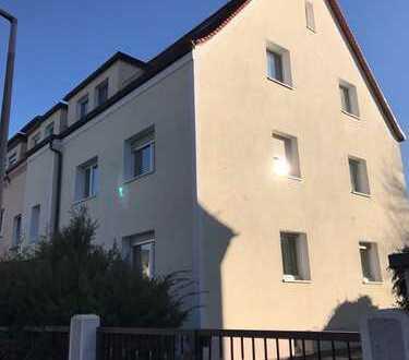 Helle drei Zimmer Wohnung mit Balkon in Nürnberg, Eibach.