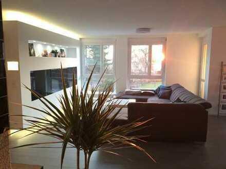 Moderne helle 3,5-Zimmer-Wohnung mit Balkon und EBK in Nellmersbach