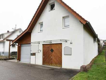 RARITÄT: 2000/2001 saniertes Büro-Lagergebäude mit Garage und Carport