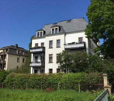 Schöne 3-Zi-Altbauwohnung mit Parkettboden und Balkon in Dresden-Striesen-Ost