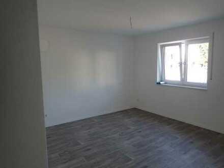Schöne drei Zimmer Erdgeschosswohnung in 6 Patreienhaus, Birkenzell, Maxhüttehaidhof