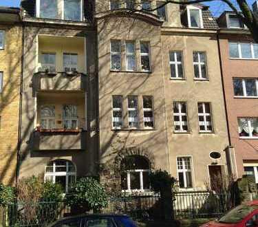 Duisburg-Neudorf, Gustav-Adolf-Str., zentr. ruh. sehr gute Lage, Spitzenwohnung, Altbau, 2 Balkone
