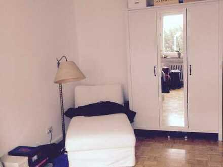 Helles 20qm Zimmer in netter Mädels-WG