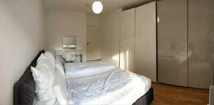 Möbliertes Zimmer in 90 qm Maisonette im Herzen von Pempelfort.