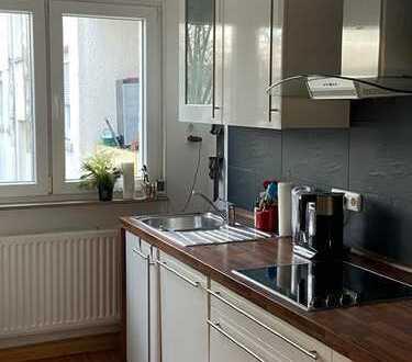 Helle 3-Zimmer-Wohnung mit Balkon und Einbauküche im Lindenhof