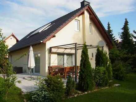 Haus zur Miete in Leipzig Nord-Ost, Nähe A14, ca. 500 qm Grundstück in Leipzig Thekla
