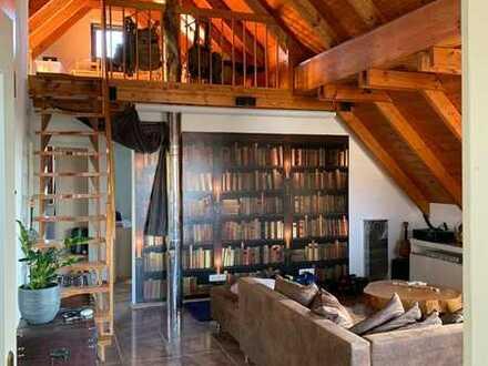 Gepflegte 3-Zimmer-Wohnung im DG mit Balkon und Einbauküche in Schonungen