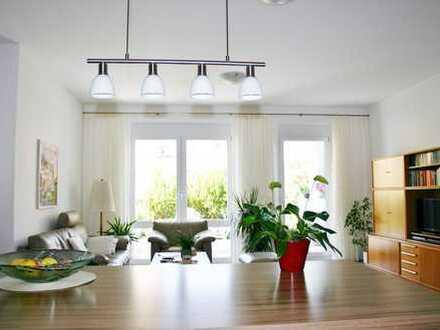 Neues Wohngefühl! Sonnige 3-Zimmer-OG-Wohnung in idealer Lage von Stuttgart-Feuerbach